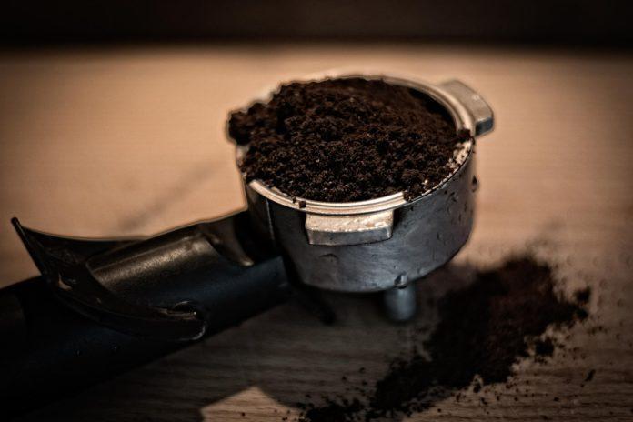 Zadbaj o skórę latem i rozpieść zmysły peelingiem kawowym!