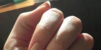 Jak przygotować paznokcie pod lakier hybrydowy. Przegląd baz i topów oraz produktów 2w1