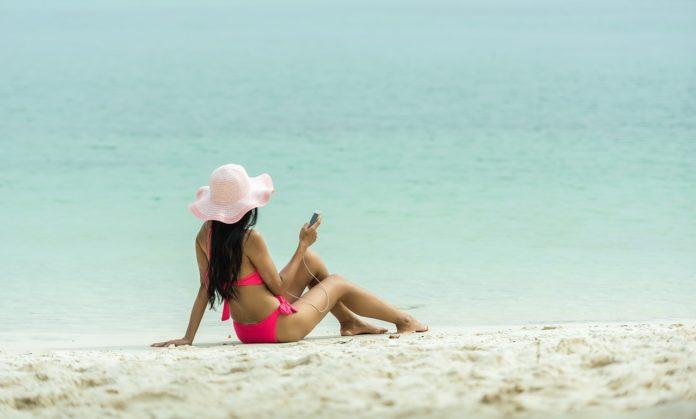 Jak chronić atopową skórę latem?