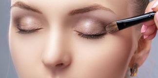 Jak zrobić makijaż oczu w stylu smokey eyes