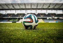 Na co zwrócić uwagę wybierając piłkę do gry w piłkę nożną?