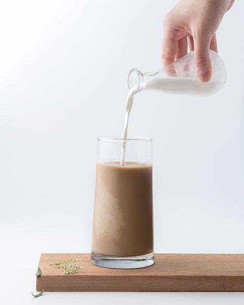 Niebezpieczne bulgotanie w żołądku po kawie z mlekiem - czy to nietolerancja laktozy?