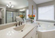 Wanna narożna do małej łazienki – czy rzeczywiście jest dobrym wyborem?